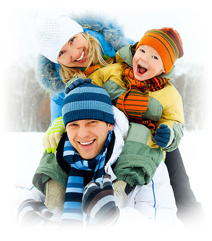 happy-winter-family